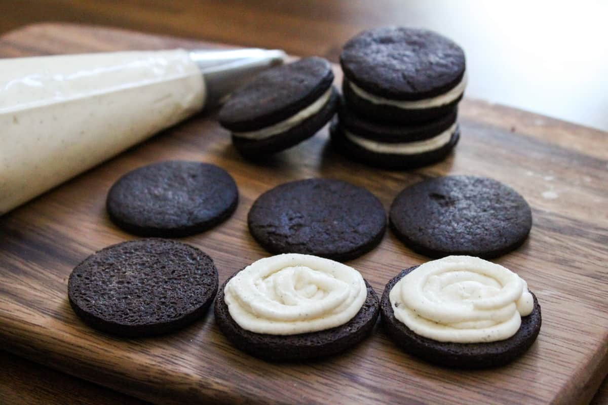 Apr 17, · One is a truly homemade oreo cookie, and the other uses a cake mix. If you're in a time crunch, the cake mix version have been a family favorite for years! Otherwise, you wont be sorry for making the Homemade Oreo Cookie recipe, courtesy of the fabulous Sally from Sally's Baking Addiction!/5(3).