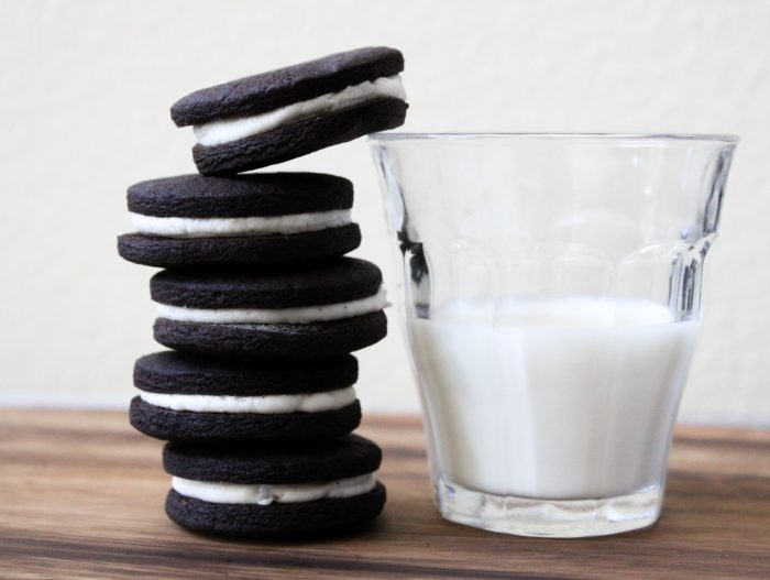 Homemade Oreos. Easy recipe for chocolate cookies with vanilla cream filling.