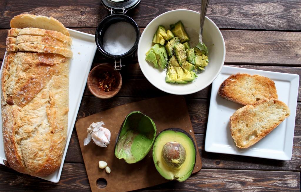 avocado garlic toast