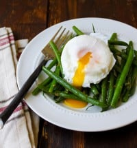 haricots verts poached egg