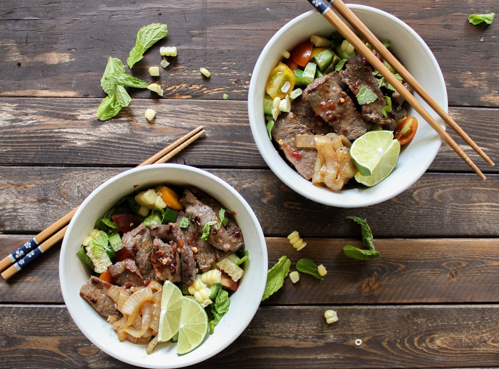 asian summer salad with marinated steak