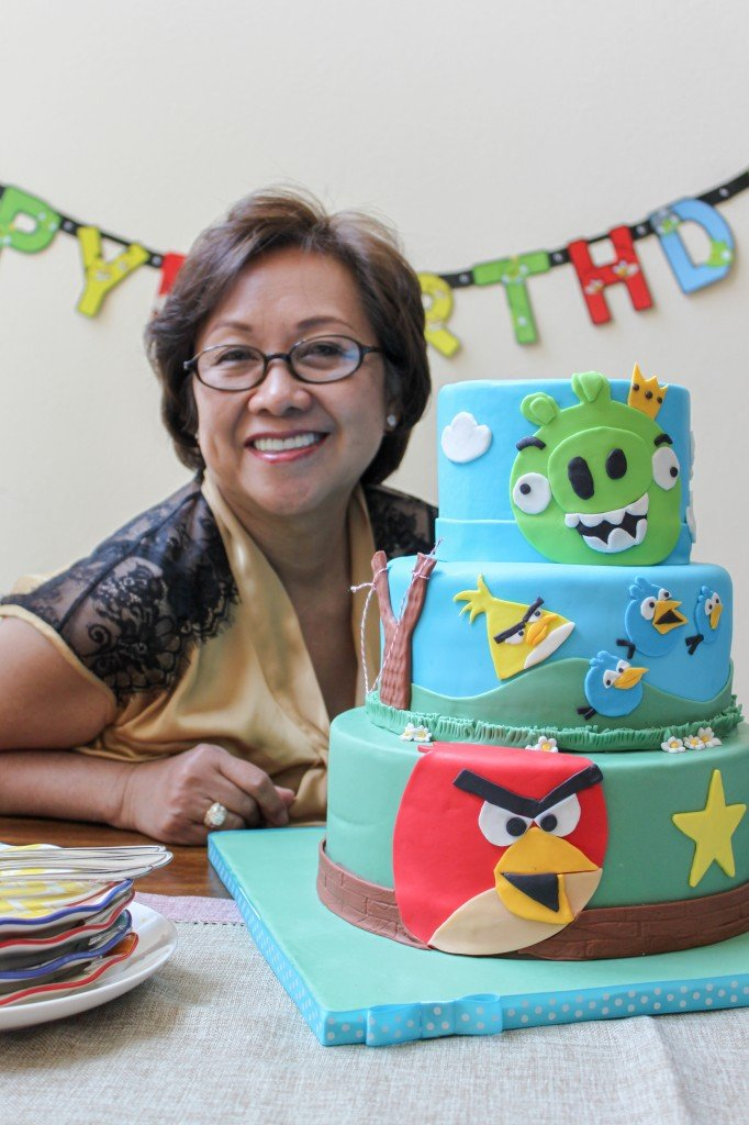 mom's angry birds bday cake