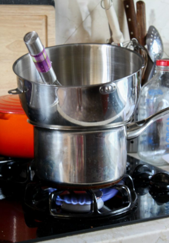 How to set up bain-marie for tiramisu