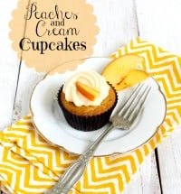 TheLittleEpicurean: peaches and cream cupcakes