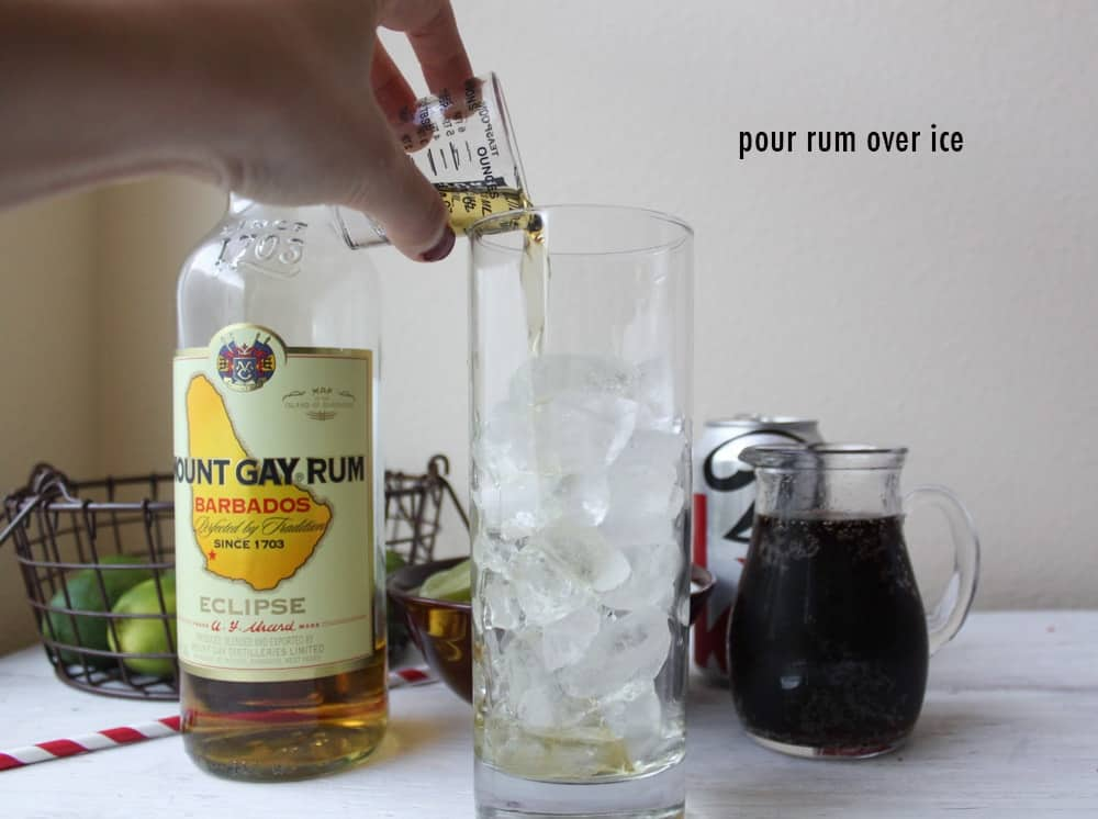 pour-rum-over-ice