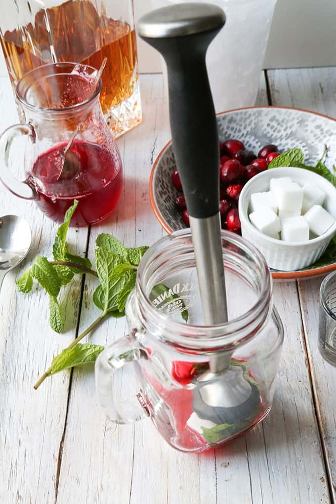 TheLittleEpicurean-cranberry-mint-julep2