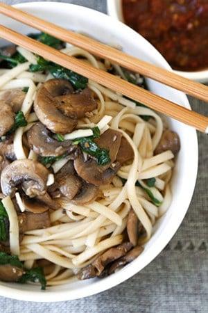 Mushroom Spinach Garlic Noodles