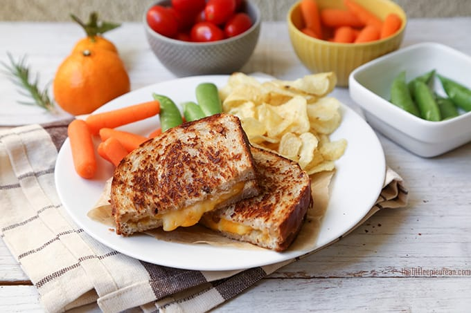 bacon-parmesan-walnut-bread-grilled-cheese-sandwich