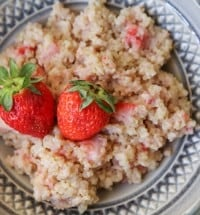 strawberry-breakfast-quinoa