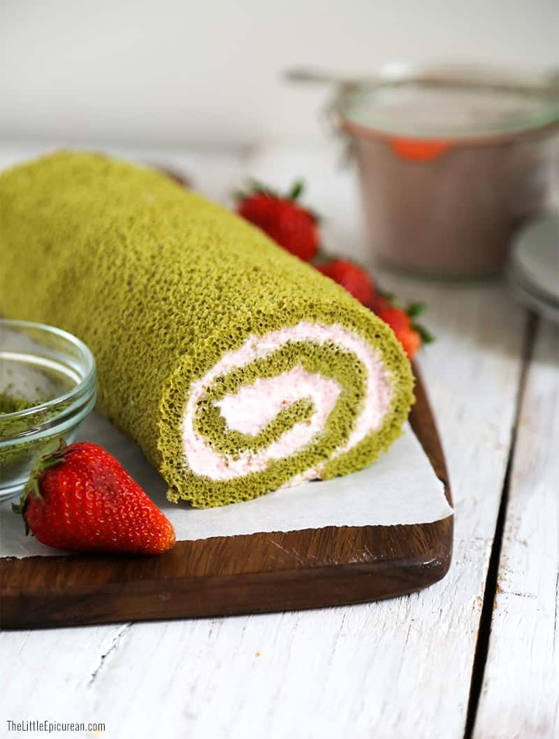 green-tea-swiss-roll-with-strawberry-mousse