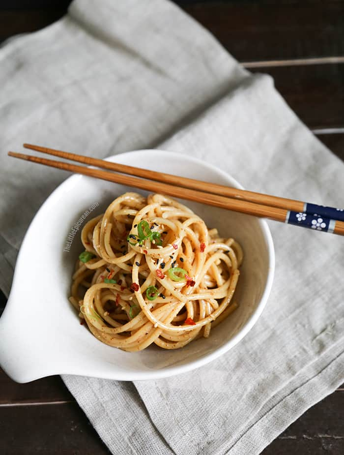 bowl-of-sesame-almond-noodles