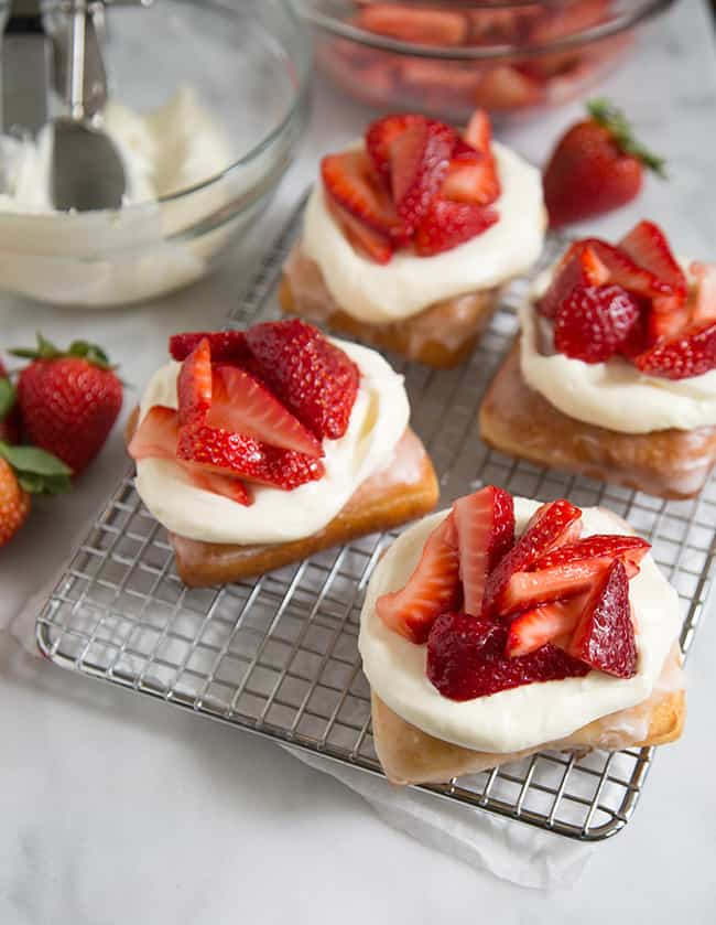strawberry-doughnut-feature