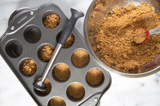 Mini Peanut Butter Pretzel Cheesecakes