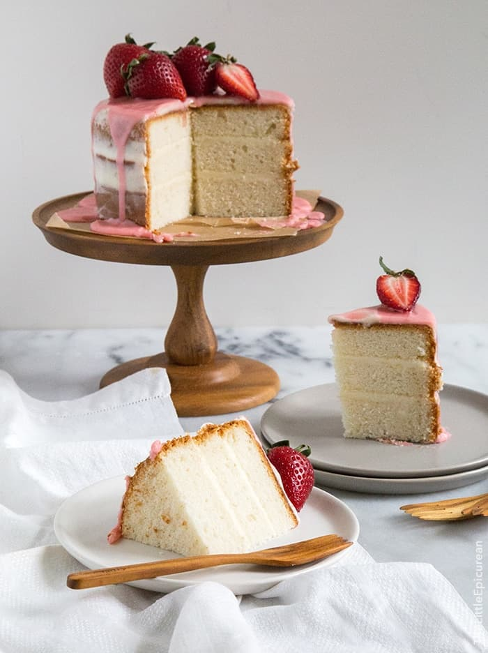 Vanilla Cake With Strawberries And Cream Cheese Frosting