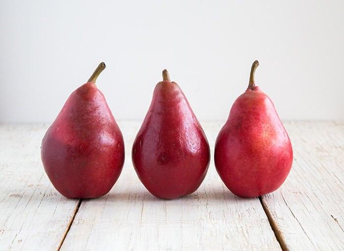 Starkrimson Pears- No Bake Pear Cheesecake