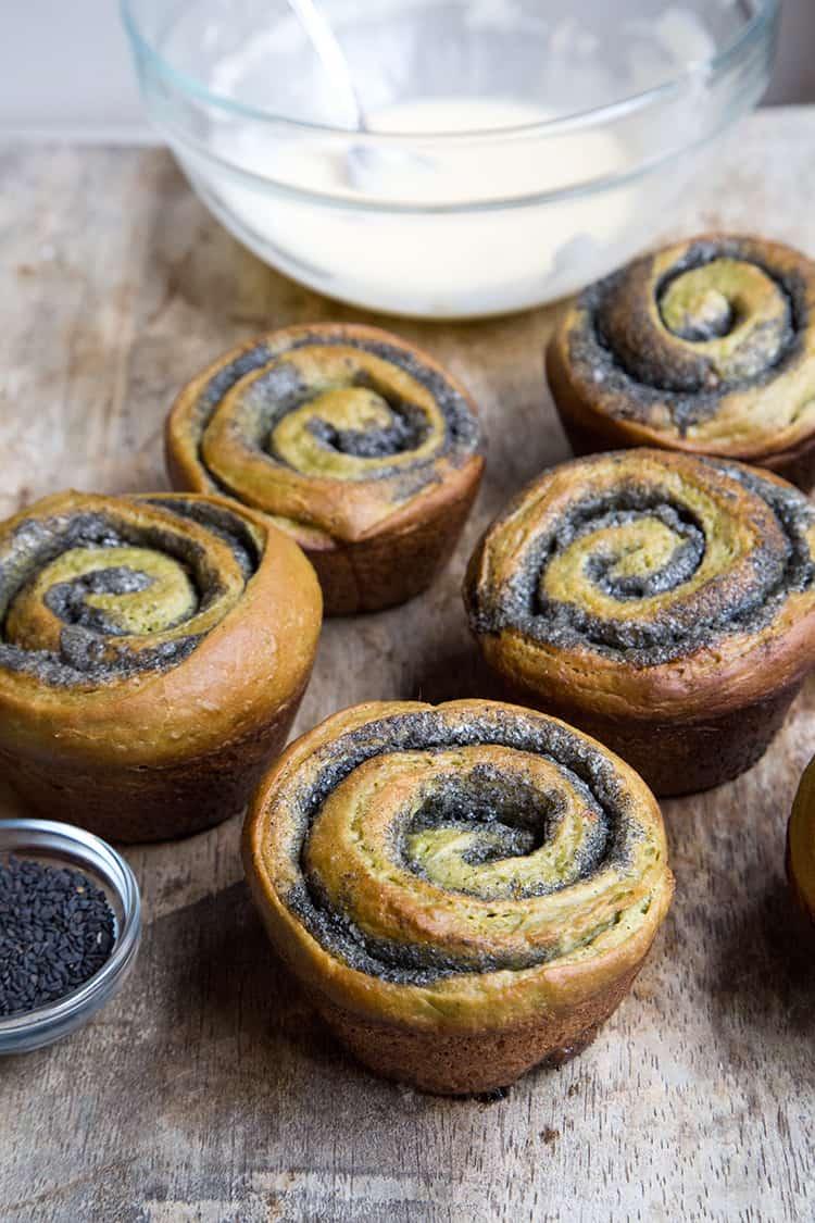 Matcha Black Sesame Rolls