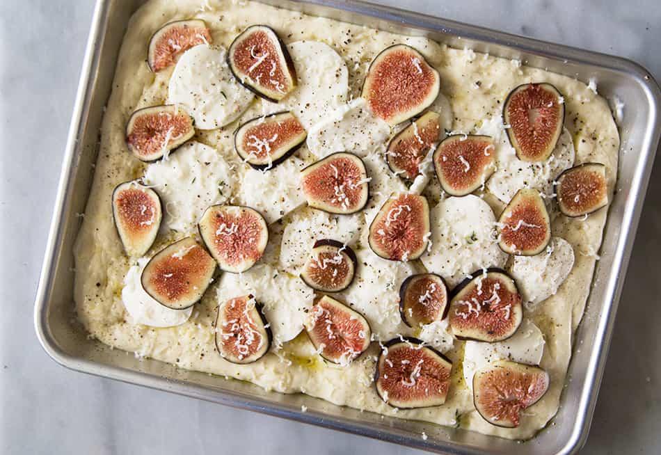 Fig Prosciutto Pizza with Fresh Mozzarella and Balsamic Glaze