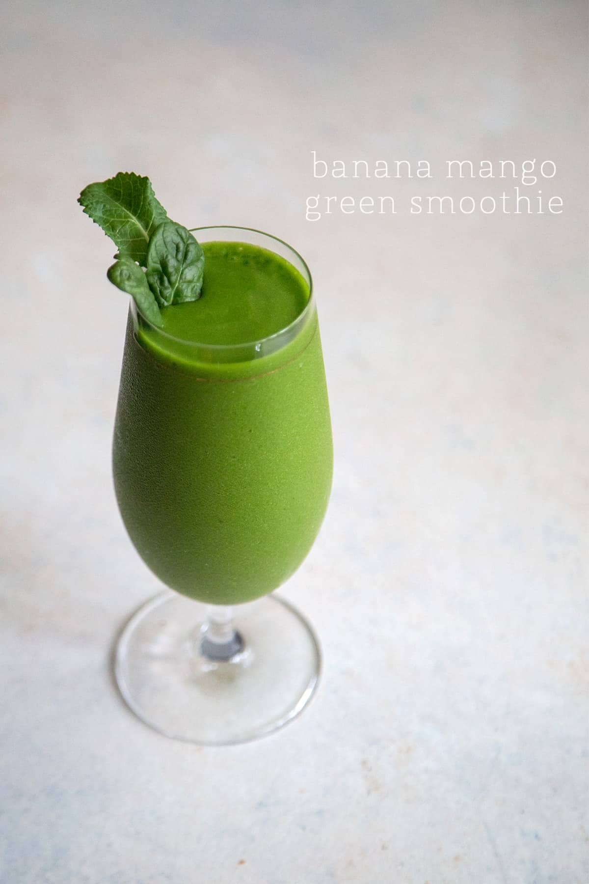5 fruit and veggie smoothies: Banana Mango Green Smoothie