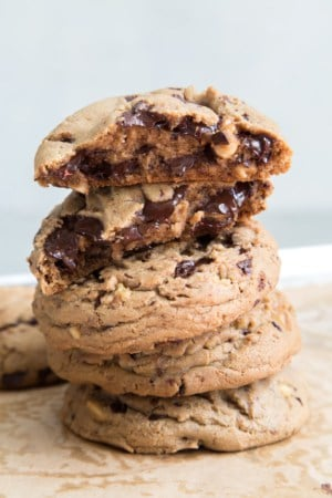 Walnut Chocolate Chip Cookes