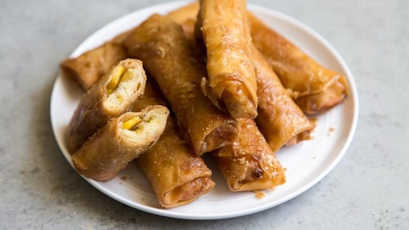 Turon (Filipino Fried Banana Roll)