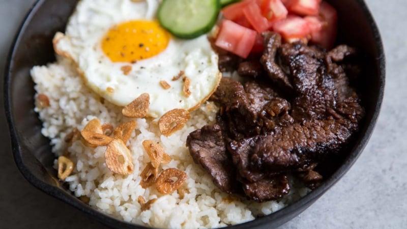 Filipino Beef Tapa Tapsilog