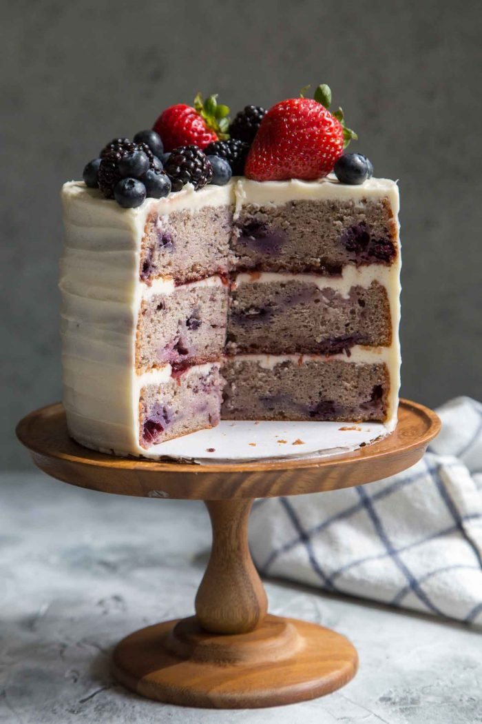 three layer cake mixed berry layer cake with cheese frosting the 7977