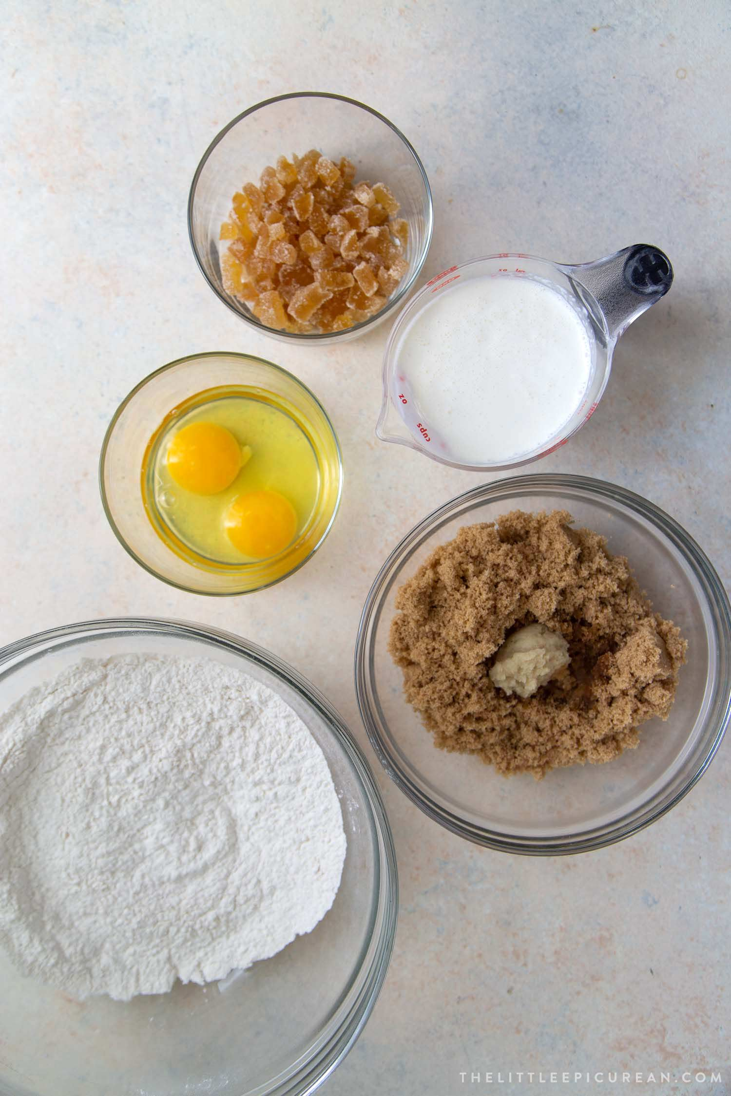 Ginger Cake Ingredients. This cake doesn't have any butter or oil. The cake is leavened by baking powder, beaten eggs, and whipped cream.