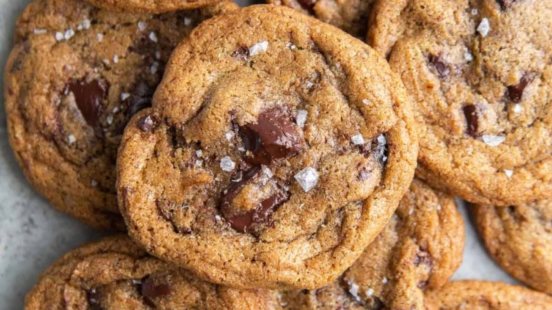 Brown Butter Rye Chocolate Chip Cookies