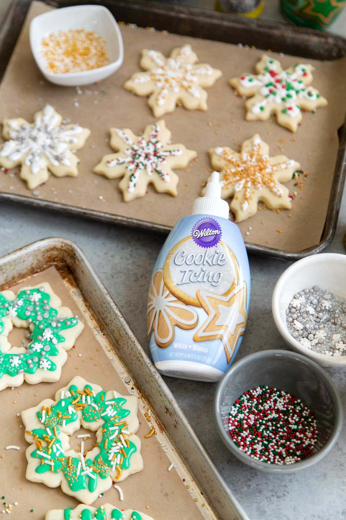 Decorating with Cookie Icing